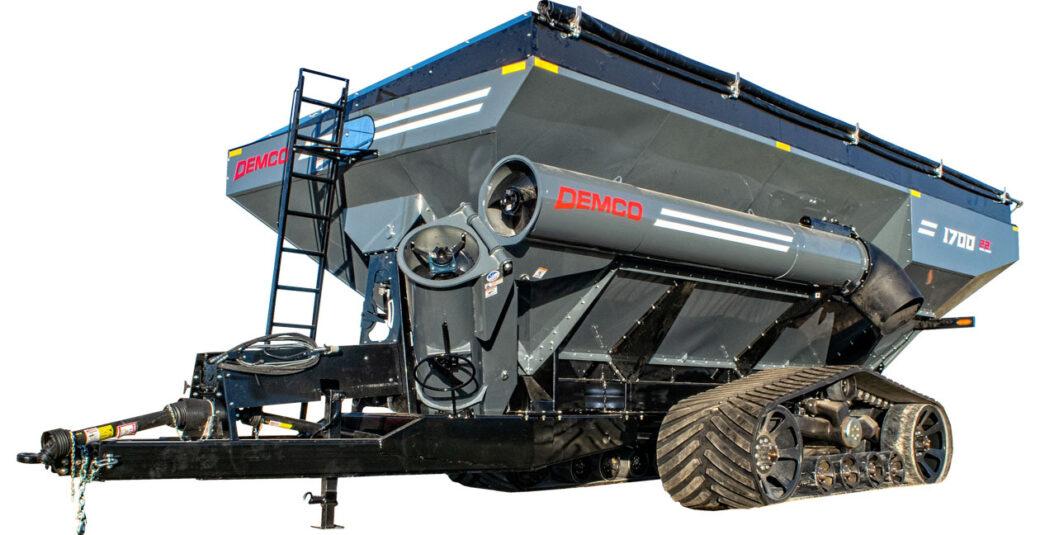1700 bushel Grain Cart on tracks