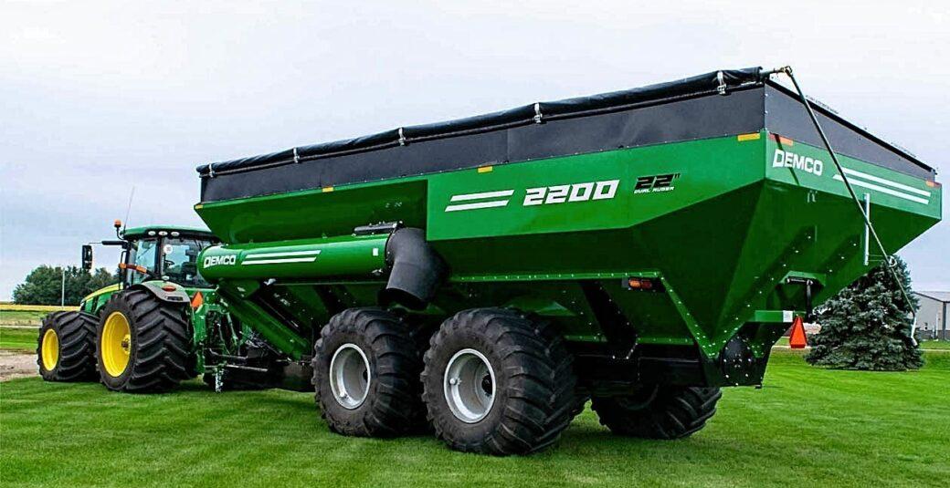 2200 Bushel Green Grain Cart