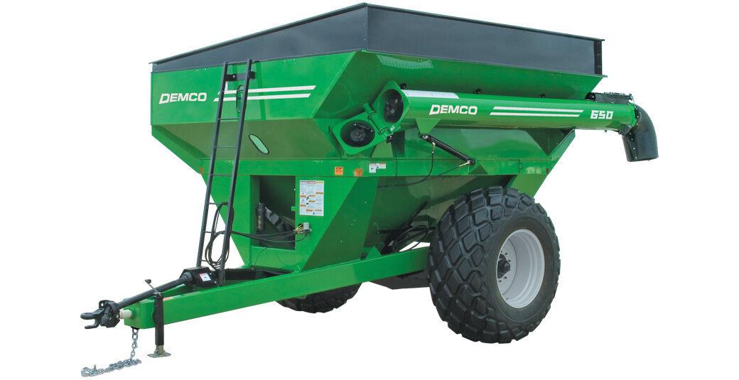 650 bushel Green Demco grain cart