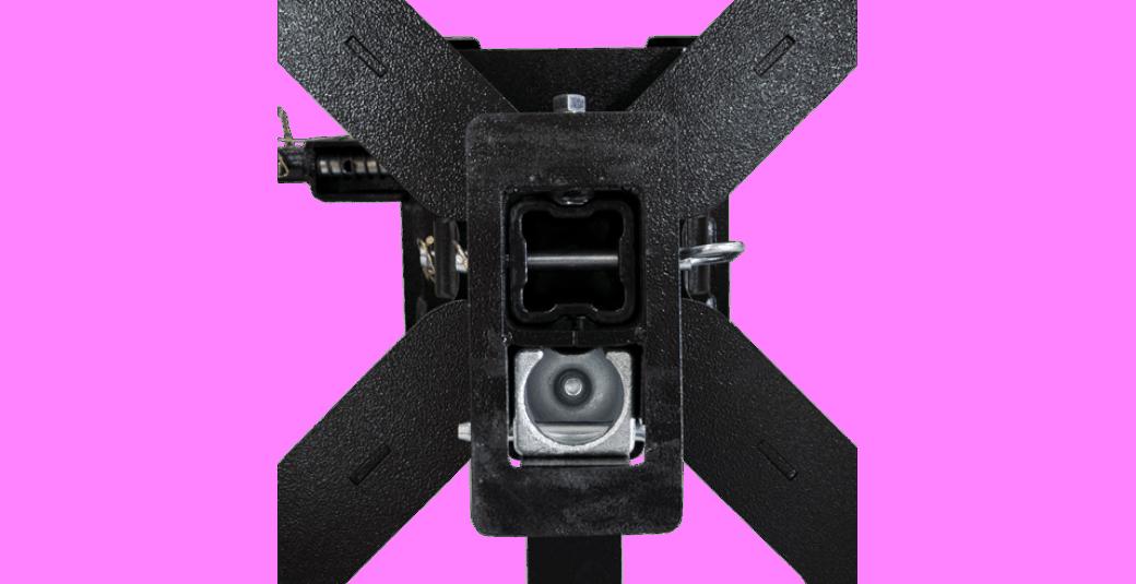 8550046 Closeup of Underside of Recon Flat Deck Mount